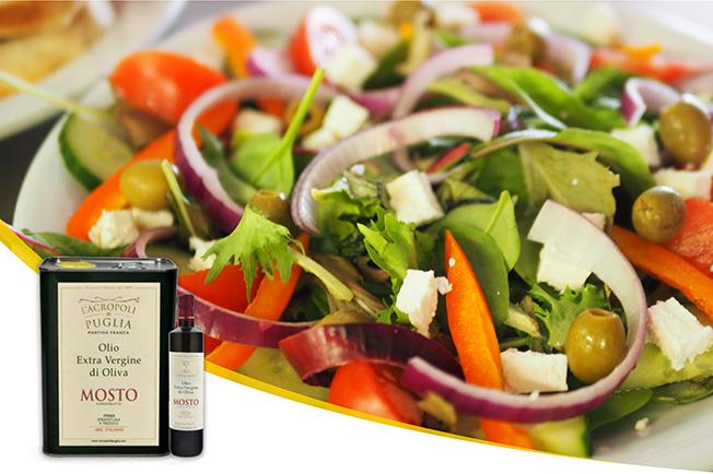 Si torna alla normalità anche a tavola: via libera alle insalate condite con un buon olio extravergine di oliva